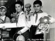 pionieri cu jucarii 5